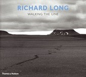 Richard long : walking the line