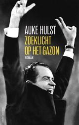 Zoeklicht op het gazon | Auke Hulst |