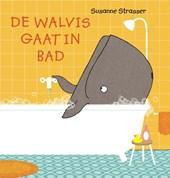 De walvis gaat in bad