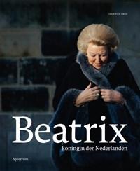 Beatrix, koningin der Nederlanden in linnen casette met stofomslag en leeslint | Han van Bree |