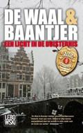 Een licht in de duisternis | Simon de Waal ; Ab Baantjer |