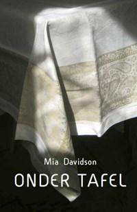 Onder tafel | Mia Davidson |